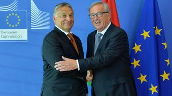 Orbán nevetni szokott, amikor Juncker négyszemközt lediktátorozza