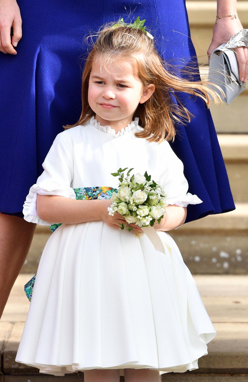 Tündéri koszorúslány volt Eugénia hercegnő esküvőjén októberben - cuki pofijával ellopta a show-t.