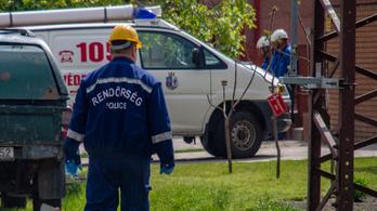 Meghalt egy munkás Kiskőrösön, akit 20 kilovoltos hálózat alatt dolgozva megrázott az áram