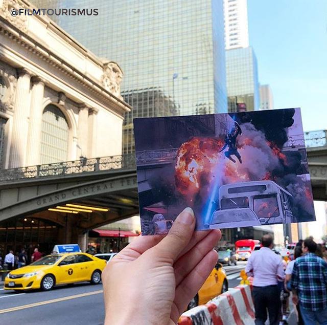 A Bosszúállók legelső felvonásában láthattuk, hogyan rombolja le Loki hadseregével fél New Yorkot, Andrea az egyik pillanatot mutatja a híres Grand Central Terminal előtt.