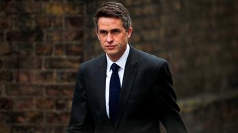 Menesztették a brit védelmi minisztert a Huawei-szivárogtatás miatt