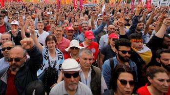 Feszült május 1. Isztambulban, 127 tüntető őrizetben