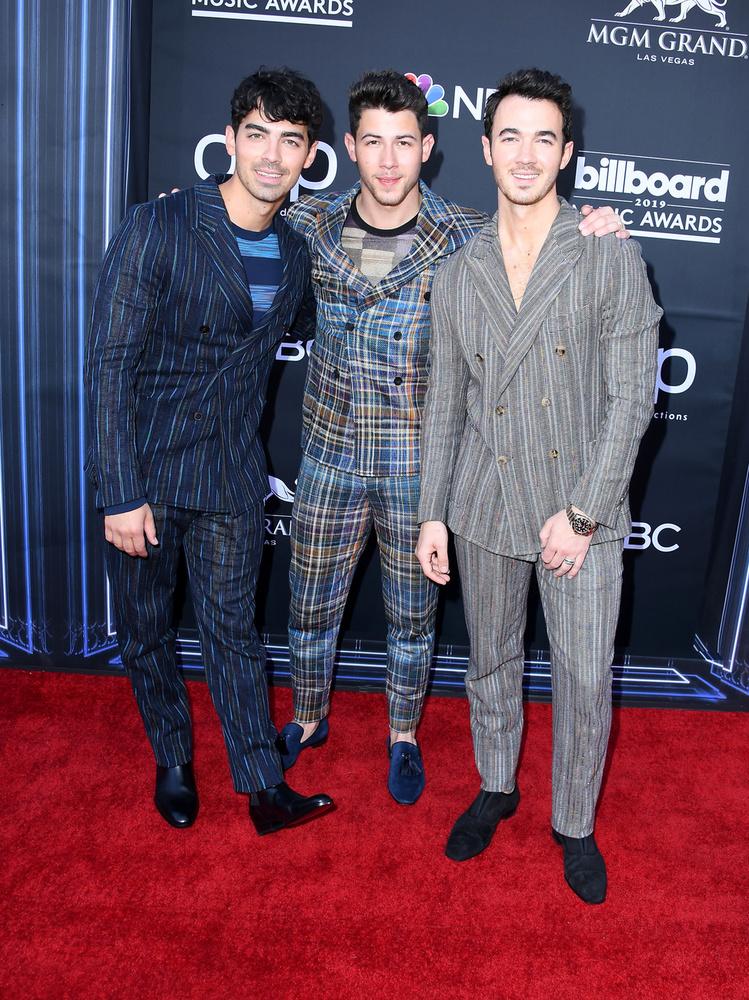 Az idén újból összeállt Jonas Brothers már új turnéját is bejelentette, amire szépen fogynak is a jegyek