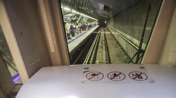 Letiltották a gyerekeket a kedvenc metrózó helyükről