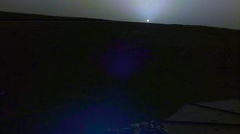 Marsi napfelkeltét és naplementét fotózott az InSight űrszonda