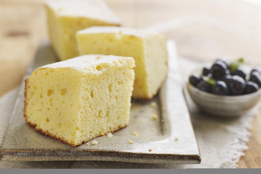 Pillekönnyű, tejfölös, citromos süti: egyszerű, mégis isteni kevert tészta