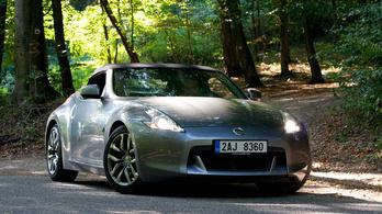 Egyszerűsíti sportkocsi-választékát a Nissan