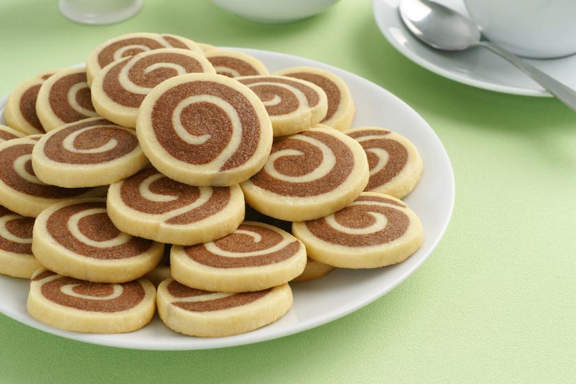 Csíkos, kakaós, vaníliás keksz: pofonegyszerű, és nagyon mutatós