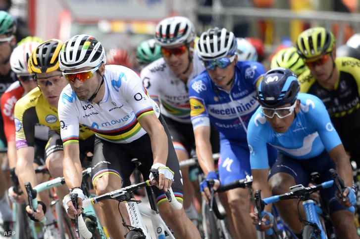 Alejandro Valverde (elöl) a Volta a Catalunya versenyen