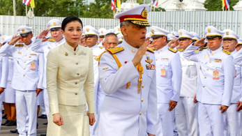 Légikísérőből lett a testőrség parancsnoka, majd Thaiföld királynéja