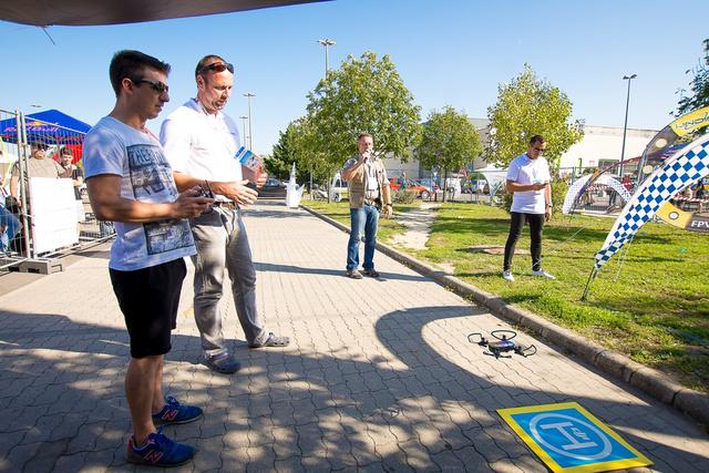 Drónröptetés a tavalyi drónfesztiválon