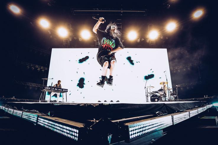 Billie Eilish a 2019-es Coachella Valley Zene és Művészet Fesztiválon, Indióban 2019. április 20-án