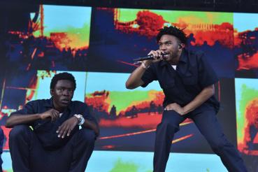 Kevin Abstract (jobbra) a Brockhampton tagja, az Austin City Limits zenei fesztiválon 2018. október 5-én