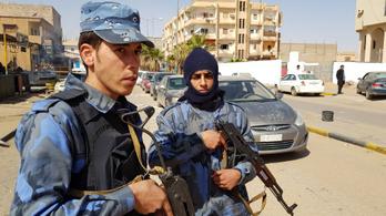 Az Iszlám Állam megtámadott egy laktanyát, kilenc halott