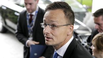 Szijjártó: Orbán és Trump összehangolja a migrációellenes tevékenységét