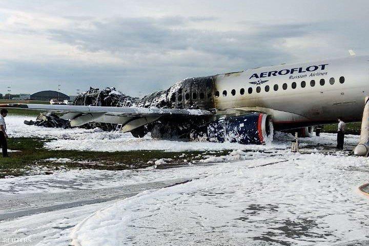 Kiégett SSJ-100-as repülőgép a Seremetyevo repülétern 2019. május 6-án