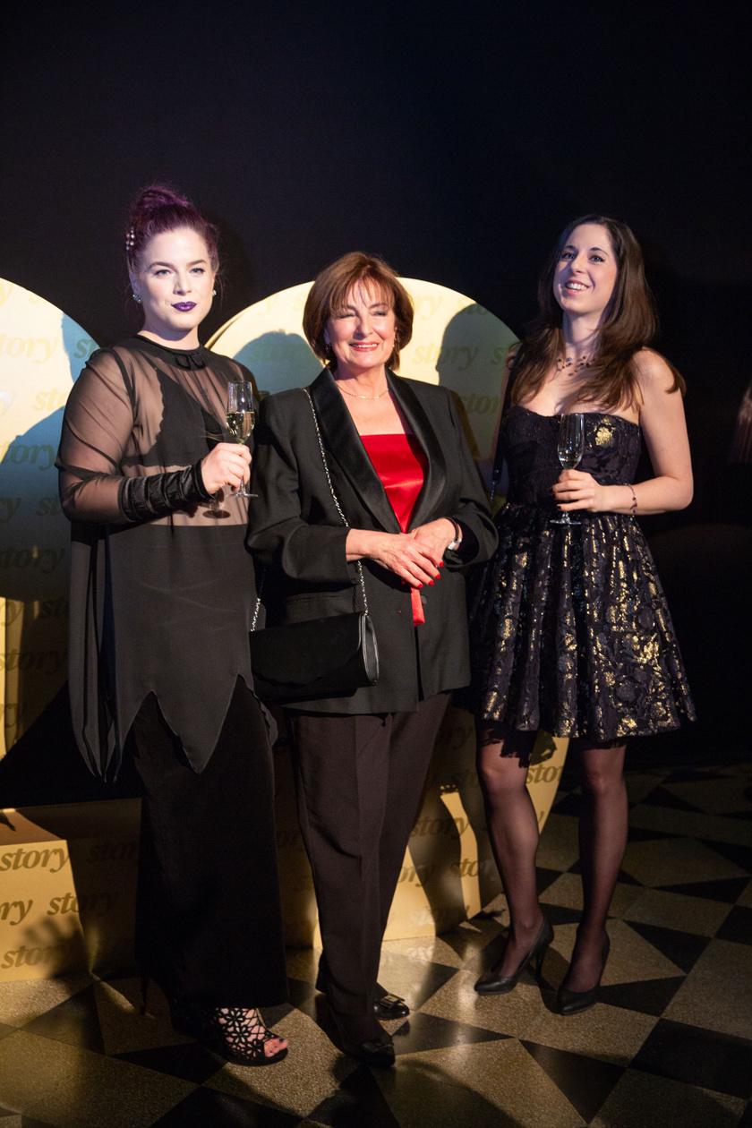 Lányaival, Laurával és Nórával a februárban huszadik alkalommal megrendezett Story-gálán.