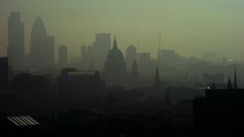 Egy 9 éves kislány az első brit, aki hivatalosan a légszennyezésbe halt bele