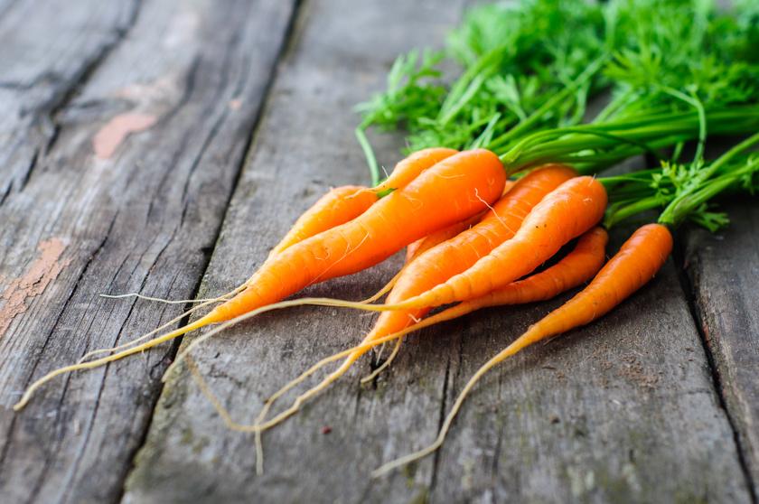 A karotinoidok nemcsak a répa narancssárga színét adják, de csökkentik a rák kockázatát is. Megfőzve a karotinoidok molekulakoncentrációja 14%-kal emelkedik a Journal of Agricultural Food Chemistry tanulmánya szerint. Ellenben Keating szerint a serpenyőben sütés 13%-kal csökkenti a karotinoidok arányát.