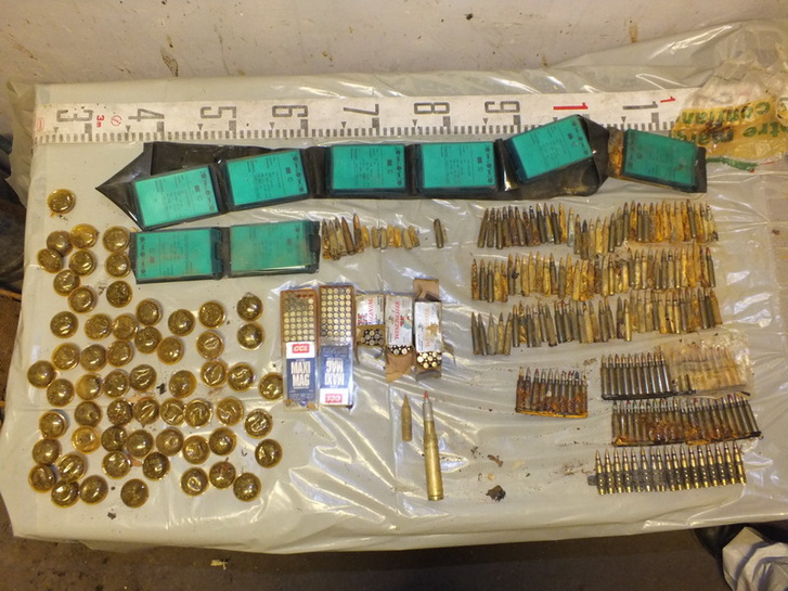 Lefoglalt lőszerek a Fejér-megyei nyomozók és TEK munkatársai által 2019. május 5-én