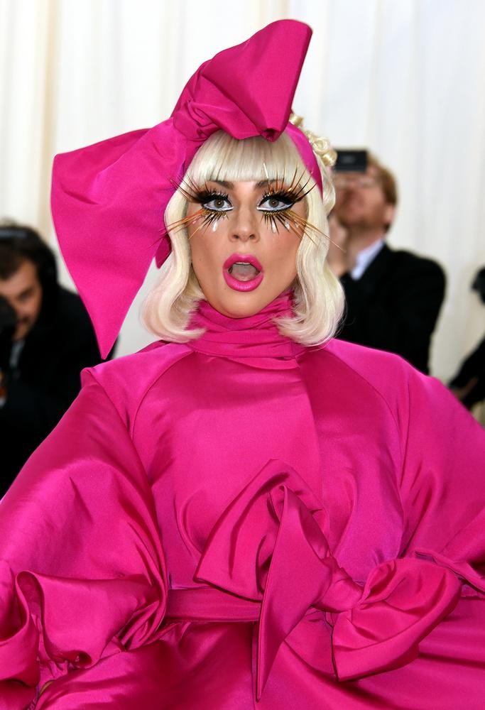 """Gaga az utóbbi időben elkerülte a botrányokat, """"csupán"""" megnyert egy Grammyt és egy Oscart és a Time is az év legbefolyásosabb emberei közé sorolta."""