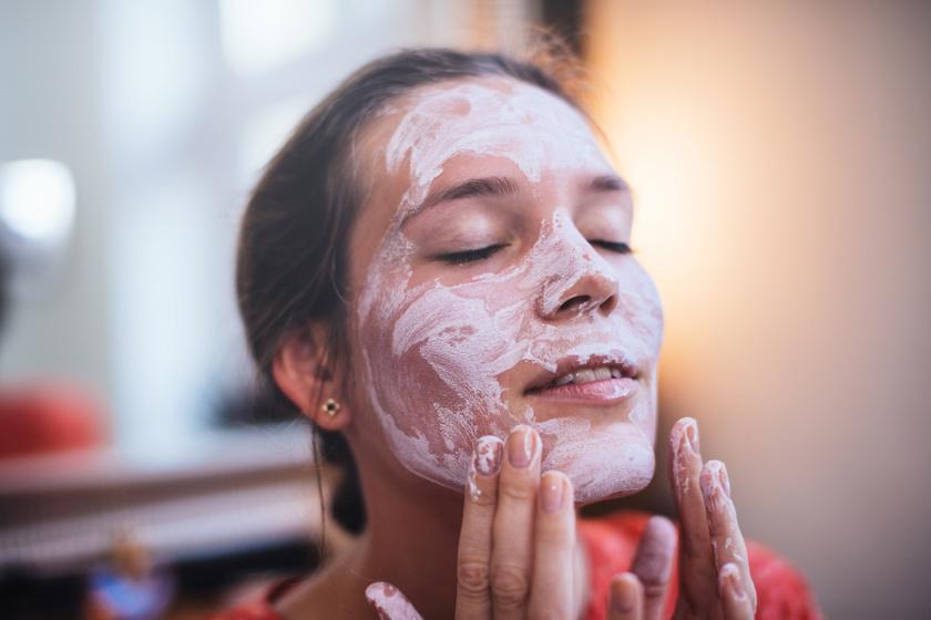 Házi arcmaszk tág pórusok és pattanások ellen: gyönyörű lesz tőle a bőr