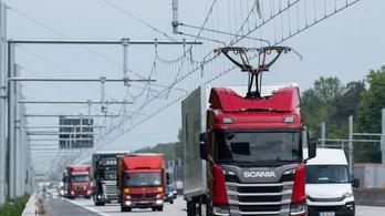 Átadták Németország első felsővezetékes autópálya-szakaszát
