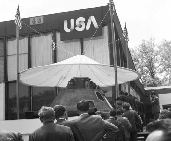 Az Apollo–10 kabinja az USA pavilonja előtt az 1970-es Budapesti Nemzetközi Vásáron