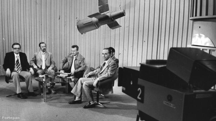 Az MTV Látogassunk a világűrbe! című műsora, jobbra Almár Iván (1979)