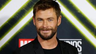 Most Chris Hemsworth osztott meg kulisszák mögötti videót a Bosszúállók forgatásáról