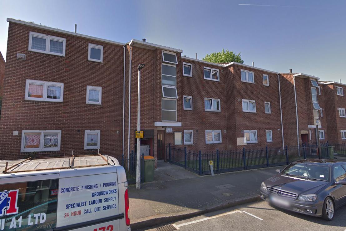 A holttesteket a kelet londoni Canning Town városrész Vandome Close utcájának egyik lakásában találták meg