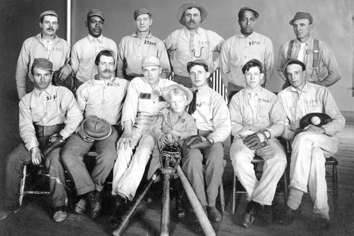 A piszkos tizenkettő, a Wyoming State Penitentiary's All Star baseballcsapat