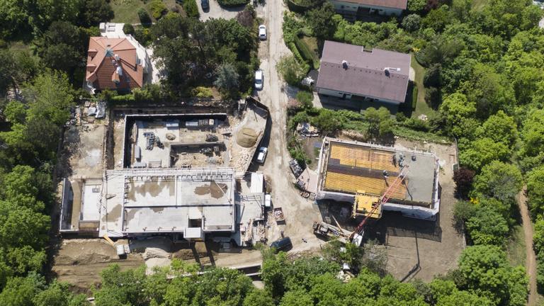 Ez a két pazar építkezés mindent elmond az elmúlt 15 évről