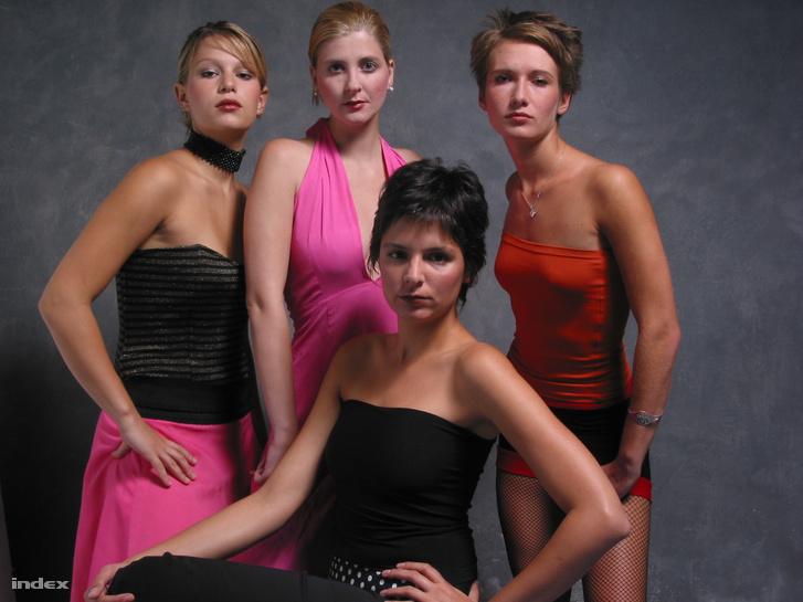A legelső Velvet stábja: Munk Vera, Mesterházy Lili, Rácz Johanna, Papp Bojána