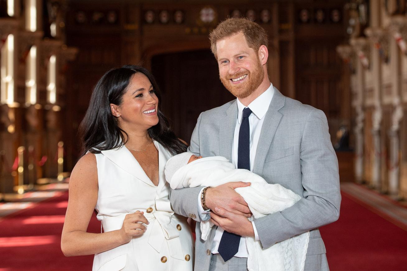 harry-herceg-meghan-hercegne-fia-hasonlosag-cover