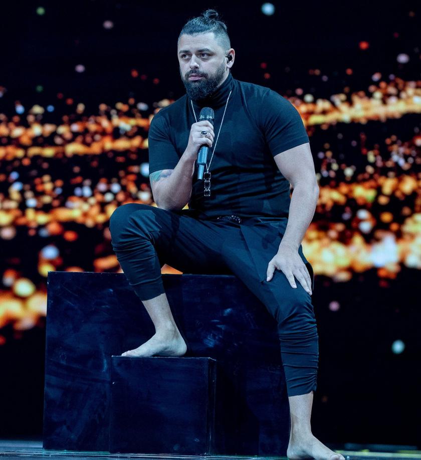 12 ponttal a magyar indulót, Pápai Jocit kiáltották ki aranyérmesnek, vagyis a 2019-es Eurovízió legszexibb énekesének.