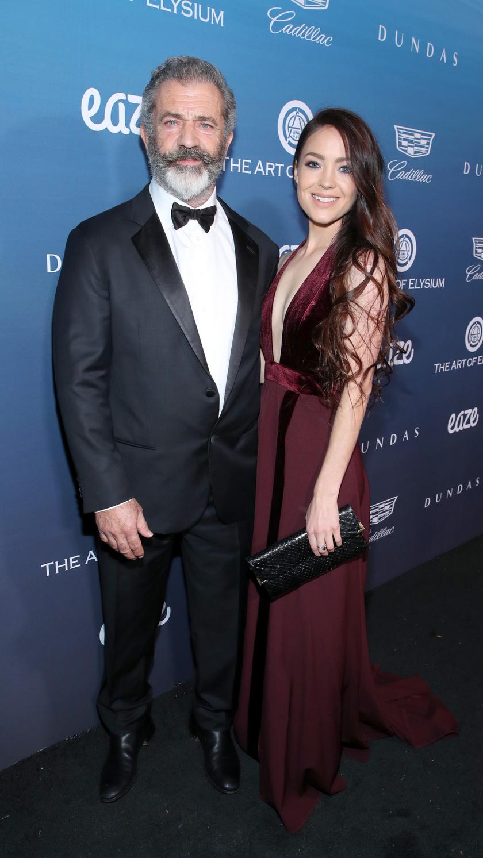 Mel Gibson és gyönyörű barátnője, Rosalind 2014 óta egy pár.