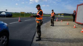 Ausztria tovább ellenőriz a magyar határon