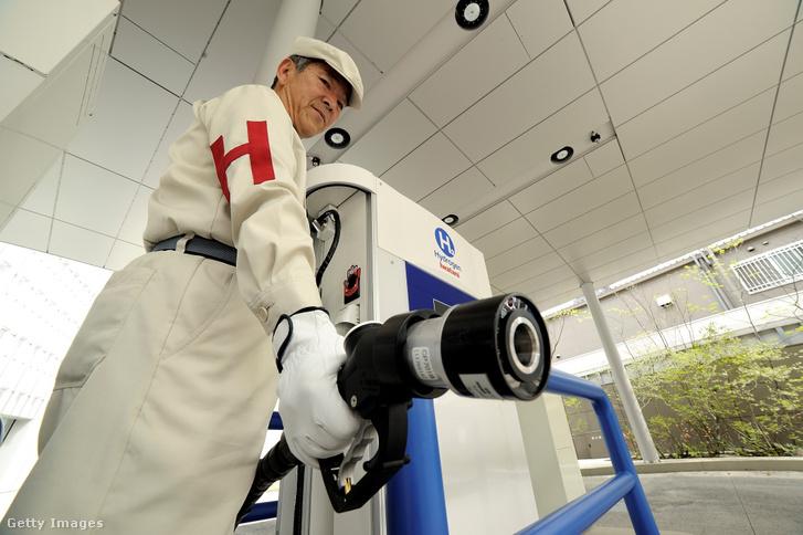 Hidrogén üzemanyagtöltő állomás Tokióban