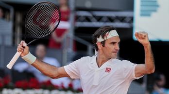 Meccslabdáról jött vissza Federer az 1200. győzelméért
