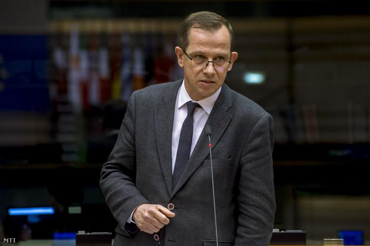 Sógor Csaba romániai néppárti képviselő felszólal a jogállamiság magyarországi helyzetéről tartott vitán a parlament plenáris ülésén Brüsszelben 2019. január 30-án.