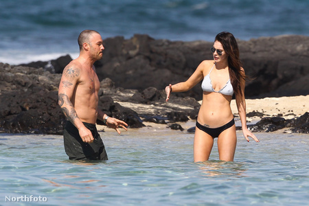 Brian Austin Green és Megan Fox Hawaii-on idén februárban
