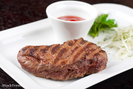 stockfresh 1522860 juicy-roasted-beef-steak sizeM