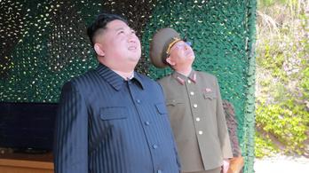 Kim Dzsongun büszke Phenjan újabb lőgyakorlatára
