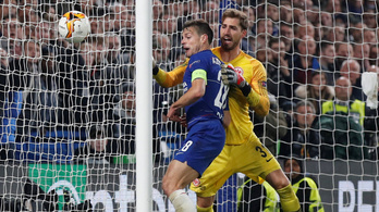 Kiváló bírói döntés miatt ment 11-esekig a Chelsea-Frankfurt