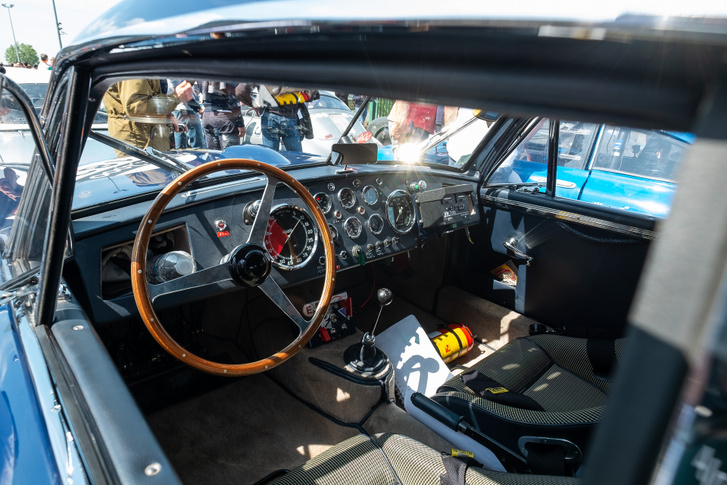 Ha szavazni kellett volna, melyik kocsiban volt a legszebb műszerfal, én az öreg Astonra tettem volna a voksomat