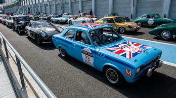 Tour Auto Optic – Magny-Cours verseny: igen, az, amiért négy napot zötykölődtünk egy 48 éves autóban