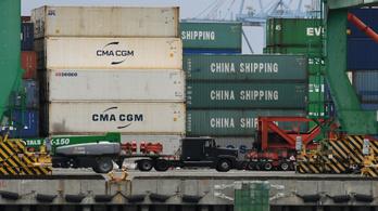 Trump a következő fokozatba kapcsolt, és megvámol minden kínai terméket
