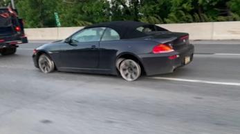 Kilométereket ment felnin az autópályán, de ez még csak a sztori fele