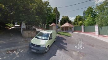 Tiborcz oldalán lehet várakozni, a japán nagykövetségén nem a XII. kerületben